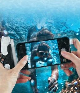 Idzie lato! Chcesz robić zdjęcia pod wodą? Woododporne etui U-Fix już dostępne!